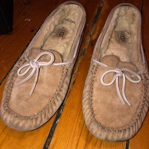 Ugg Moccasin Beige with Light Pink Tie